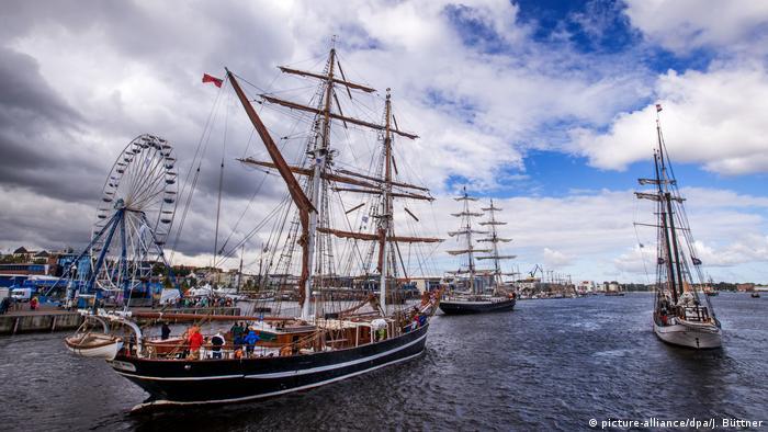 Hanse Sail Rostock (picture-alliance/dpa/J. Büttner)