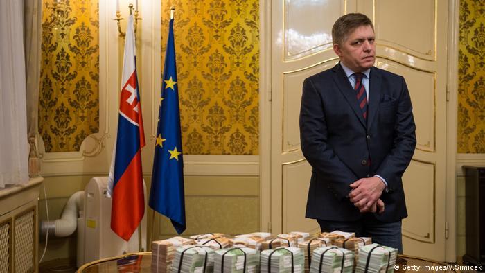 Premierul Robert Fico a pus pe masă un milion de euro ca recompensă pentru oricine oferă informații despre uciderea jurnalistului