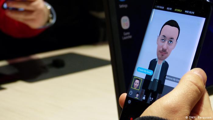 Customized emoji on Samsung's S9 smartphone