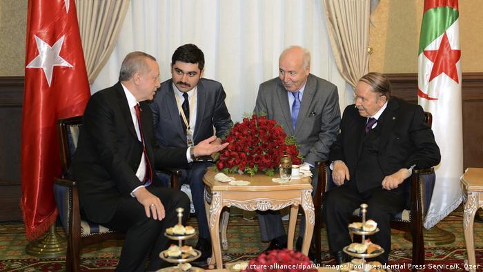 Der türkische Präsidenten Erdogan im Gespräch mit Algeriens Staatschef Bouteflika