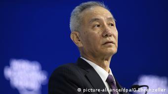 48. Weltwirtschaftsforum in der Schweiz, Liu He, Mitglied des Politbüros der Kommunistischen Partei Chinas spricht (picture-alliance/dpa/G.Ehrenzeller)