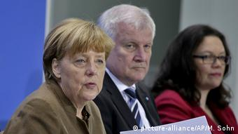 Berlin PK Merkel Seeehofer Nahles Neu (picture-alliance/AP/M. Sohn)