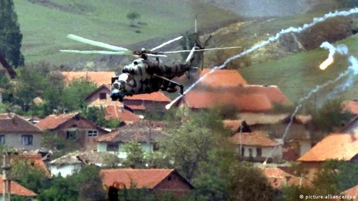 Mazedonien Krieg 2001 Kampfhubschrauber bei Vaksince