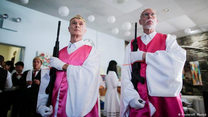 Pennsylvania Sanctuary Church Gottesdienst mit Waffen