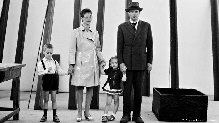 Robert Lebeck exhibition, photograph showing Joseph Beuys and family (Archiv Robert Lebeck)
