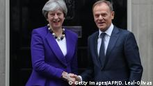 Großbritannien London - Theresa May und Donald Tusk