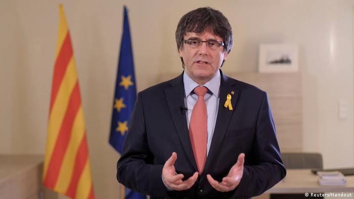 Videostill aus einer Videorede von Carles Puigdemont