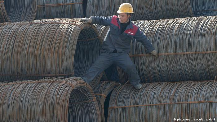 Chinese worker (picture-alliance/dpa/Mark)
