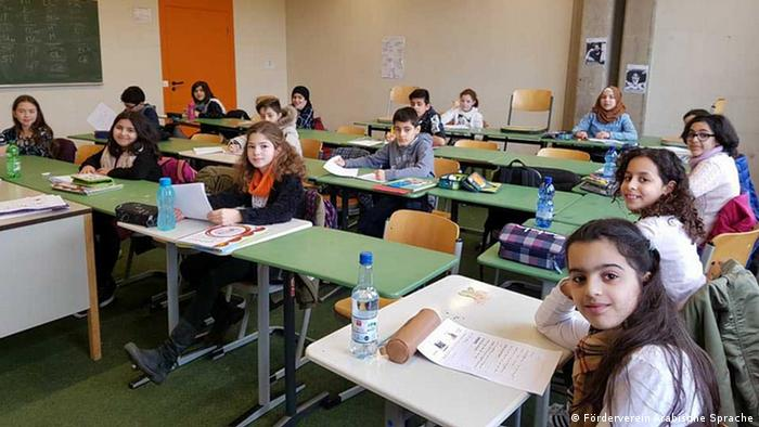 حصة لتعلم اللغة العربية داخل مدرسة في ألمانيا