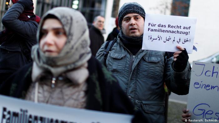 Deutschland Berlin Demonstration zu Familiennachzug (Reuters/A. Schmidt)
