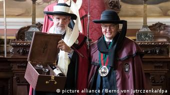 Portugal | Bundespräsident Steinmeier in die Portweinbruderschaft aufgenommen