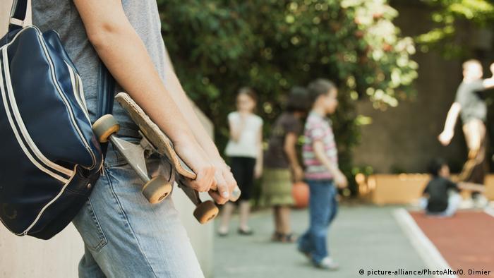Lifstyle Männer Tasche (picture-alliance/PhotoAlto/O. Dimier)