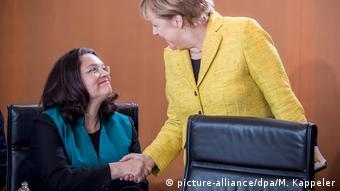 Deutschland Berlin Kabinettssitzung Merkel und Nahles (picture-alliance/dpa/M. Kappeler)