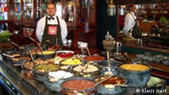 Ouro Petro Brasilien Speiseangebot im Restaurant Chafariz
