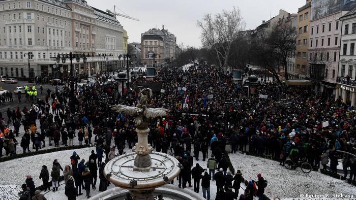 Thousands protest in Bratislava