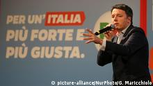 21.02.2018 *** Secretary of the Democratic Party Matteo Renzi during his campaign for national political elections at Vittorio Emanuele Theatre on February 21, 2018 in Messina, Italy. The Italian General Election takes place on March 4th 2018. (Photo by Gabriele Maricchiolo/NurPhoto) | Keine Weitergabe an Wiederverkäufer.