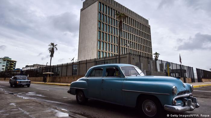 Edificio de la embajada estadounidense en Cuba.