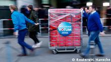 Deutschland | SPD-Mitgliedervotum | Ankunft der Stimmzettel in der SPD-Parteizentrale