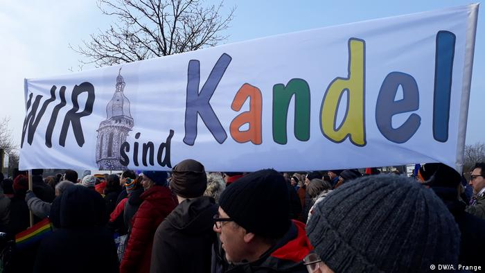 Banner proclaiming We are Kandel