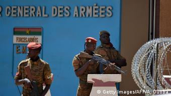 Le QG de l'armée du Burkina Faso après les attentats terroristes de mars 2018.