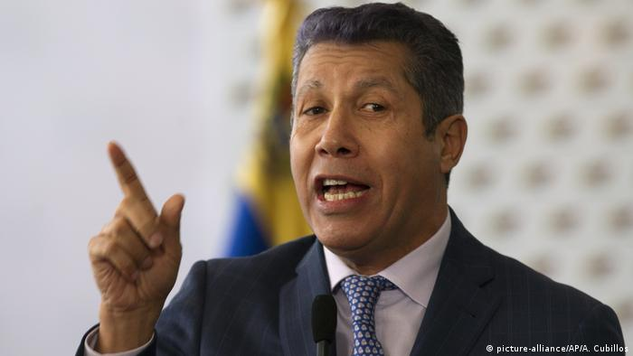 Presidential candidate Henri Falcon emerges as strongest challenge to president Maduro (picture-alliance/AP/A. Cubillos)