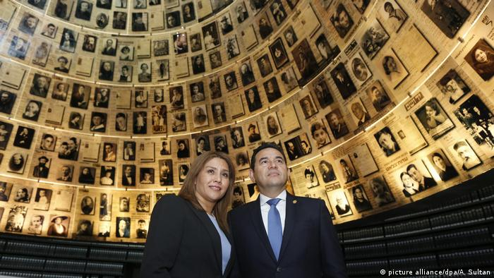 Guatemalan President Jimmy Morales (right) and his wife, Patricia Marroquin