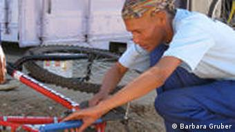 Maria, Managerin des Bicycle Empowerment Centres in Katutura, Windhoek (Foto: Barbara Gruber)