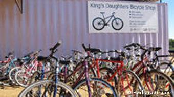 Fahrradwerkstatt in Windhoeks Armenviertel Katutura (Foto: Barbara Gruber)