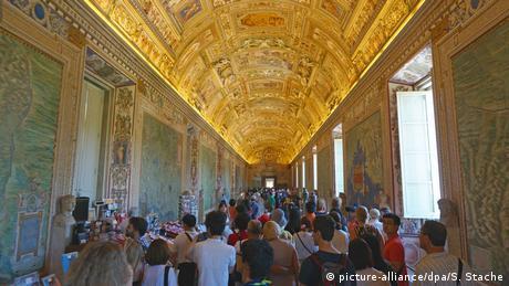 Sixtinische Kapelle der Vatikanischen Museen (picture-alliance/dpa/S. Stache)