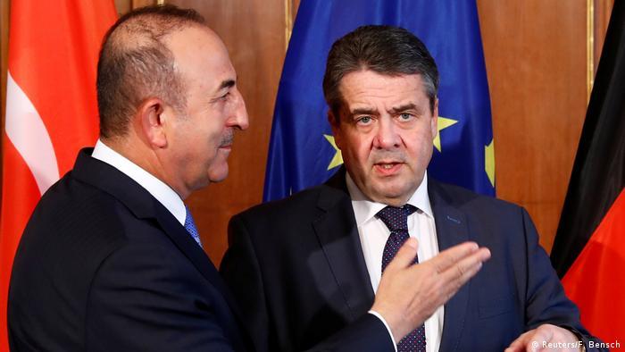 Deutschland Außenminister Mevlut Cavusoglu, Türkei & Sigmar Gabriel in Berlin
