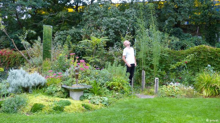 Gärten des Grauens Ulf Soltau in seinem Garten