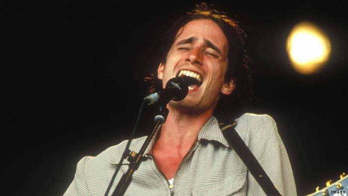 Jeff Buckley singing on stage (Imago)