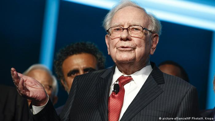 US investment guru Warren Buffett (picture-alliance/AP Photo/A. Kropa)