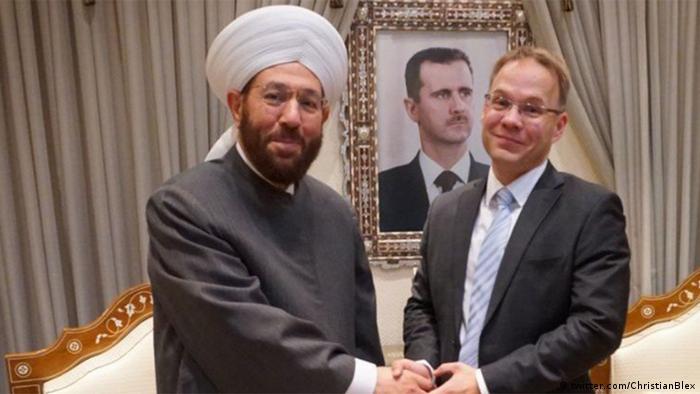Grão-mufti da Síria ao lado do deputado da AfD Christian Blex durante encontro em Damasco