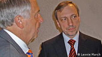 Pełnomocnik rządu RFN ds. kultury Bernd Neumann i minister kultury RP Bogdan Zdrojewski