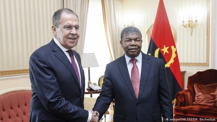Angola   russischer Außenminister Lawrow mit Angolas Präsident Joao Lourenco