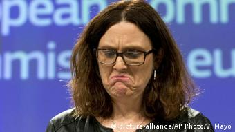 Brüssel Belgien - EU-Kommissar: Cecilia Malmstroem spricht bei Pressekonferenz