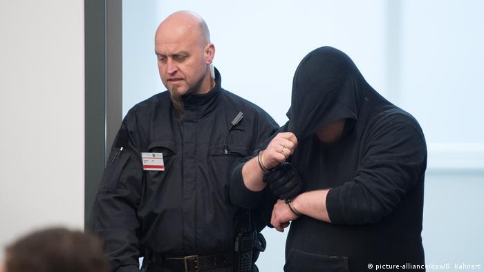 Dresden - Urteile im Prozess gegen «Gruppe Freital» (picture-alliance/dpa/S. Kahnert)