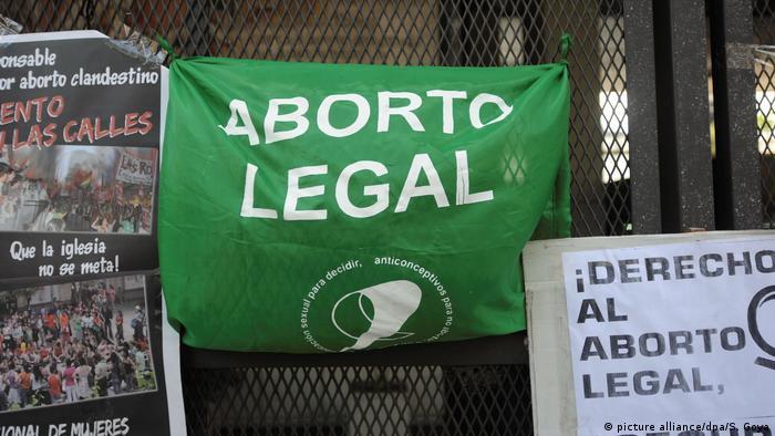 La Campaña Nacional por el Derecho al Aborto se presentó ante la Cámara de Diputados argentina el 6 de marzo de 2018.