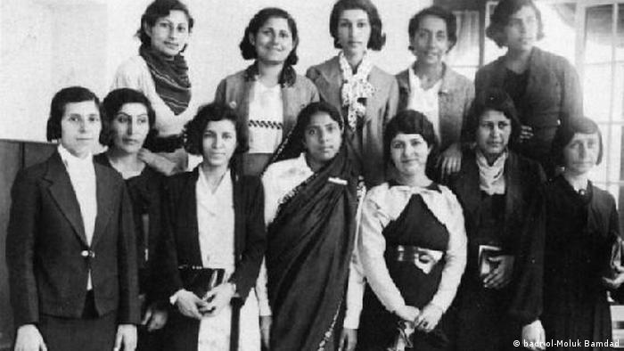 در سال ۱۲۸۹ شمار دانشآموزان دختر ۲۱۶۷ نفر بود. این تعداد در فاصله ۱۳۰۵ تا ۱۳۱۵ به ۴۹ هزار نفر رسید. در سال ۱۹۳۶ دانشگاه تهران هم تاسیس شد و زنان نیز توانستند به تحصیلات عالی بپردازند.