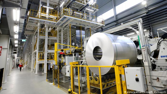 Deutschland Firma Hydro - Aluminium (picture-alliance/dpa/R. Weihrauch)