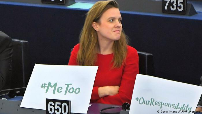 MEP Terry Reintke with a #metoo sign