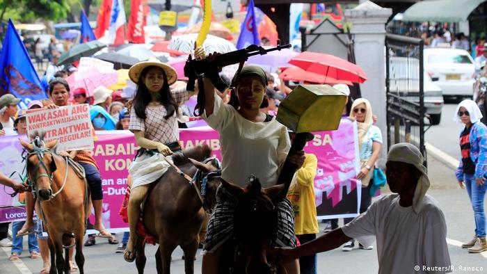 Proteste beim Weltfrauentag in Asien Philippinen (Reuters/R. Ranoco)