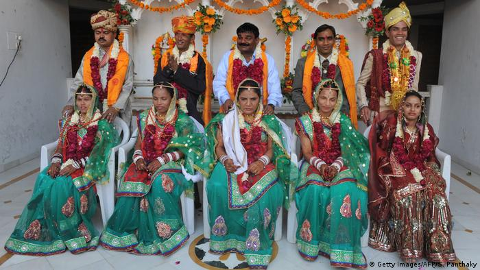 Massenhochzeit in Indien (Getty Images/AFP/S. Panthaky)
