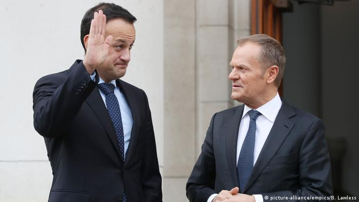 Irland Dublin Brexit Taoiseach Leo Varadkar und Tusk (picture-alliance/empics/B. Lawless)