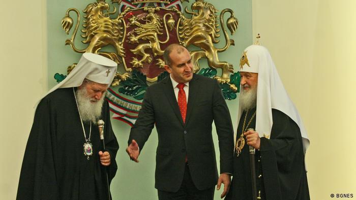 Президентът Румен Радев с патриарх Кирил и патриарх Неофит