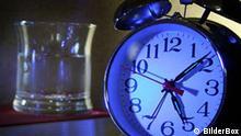 Symbolbild Wecker Schlaflose Nächte Schlaflosigkeit