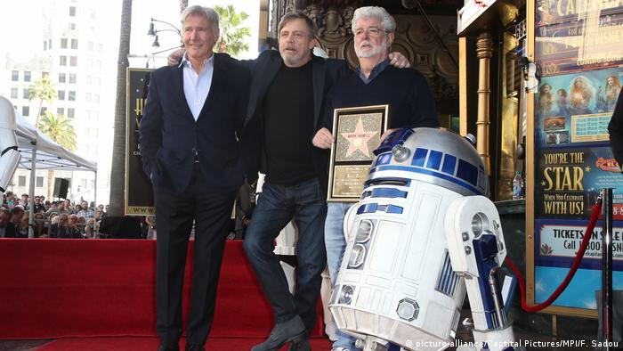 Harrison Ford, Mark Hamill, George Lucas, at Mark Hamill Honored With Star On The Hollywood Walk Of Fame At Hollywood Blvd (picture-alliance/Captital Pictures/MPI/F. Sadou)
