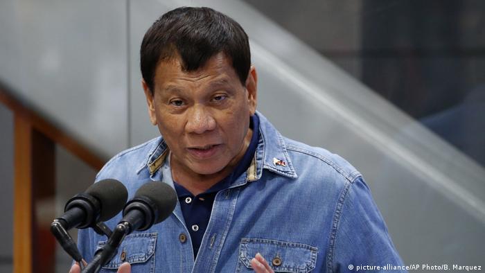Rodrigo Duterte Präsident Philippinen (picture-alliance/AP Photo/B. Marquez)