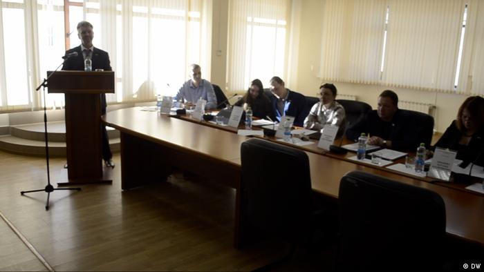 Участники собрания депутатов района Замоскворечье в Москве